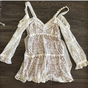 For love and lemons lace dress 💕💕💕